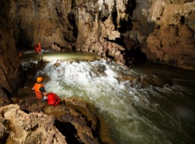 Phong Nha Ke Bang adventure and the Tu Lan cave expedition (3 days)