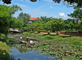 Hue farms, lagoon & backroads (1 day)