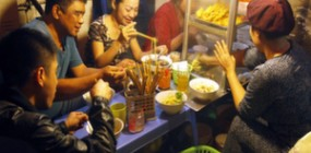 Ride for foodies in Hanoi (evening)