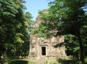 Dolphins and Temples - Phnom Penh to Siem Reap (3 days)