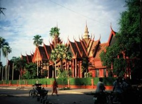 Half day sightseeing tour in Phnom Penh (1/2 day)