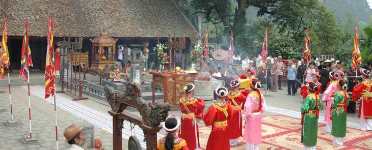 Hoa Lu   Tam Coc  1 day 1