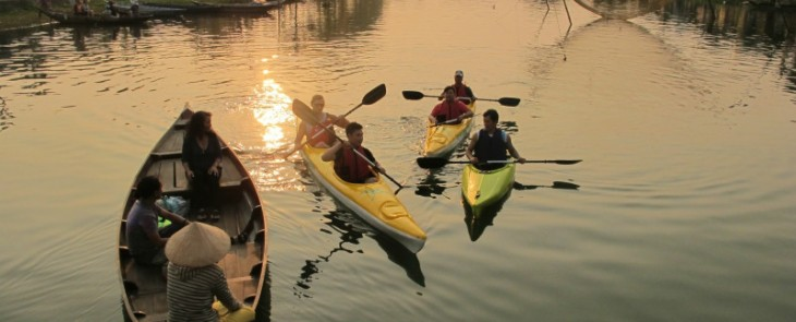 paddle to ancient town