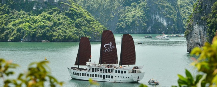 Halong Explorer and Kayak Discovery on Treasure Junk 2 nights 3