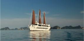 Halong Bay on Treasure Junk and the Ninh Binh extension (3 days)