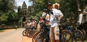 Cycling the Angkor temples trails (1 day)