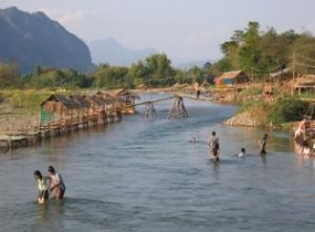 Vang Vieng overland (2 days)