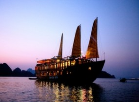 Halong Bay Cruise on Indochina Sails Junk (1 night)